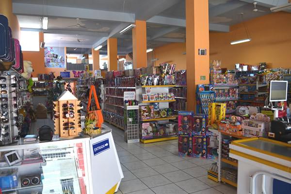 Shop Carlos